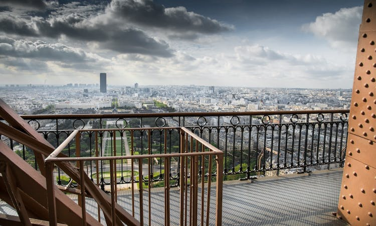 Paris: Express Eiffel Tower Tour with 2nd floor Observation Deck Access and Seine River Cruise-5