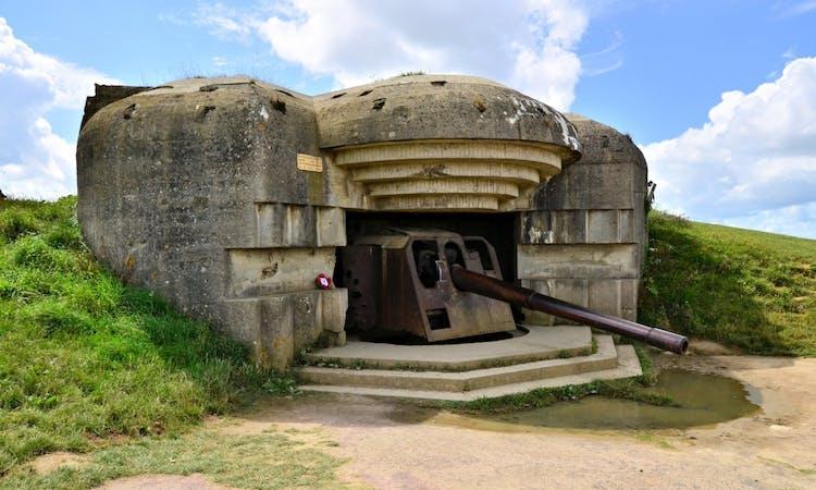 Longues-sur-Mer World War II Gun Battery, Normandy.jpg