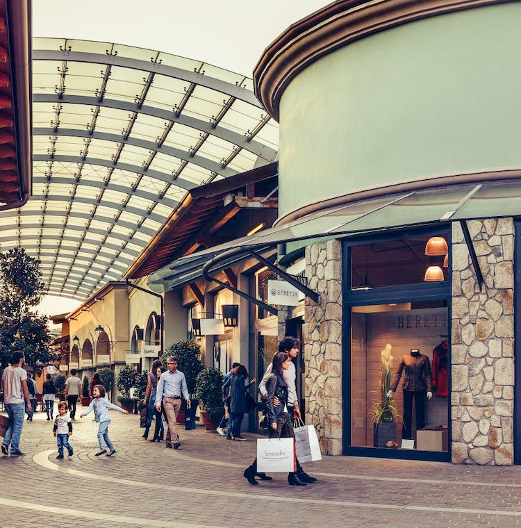 Franciacorta Outlet Village: shopping tour from Milan-2