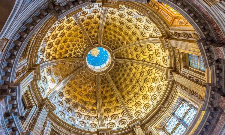 Santa Maria Assunta Cathedral dome in Siena_Fotolia.jpg