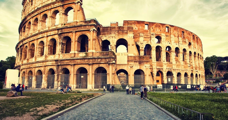 Coliseum © Veronika Galkina - Fotolia.com_53471404_M.jpg