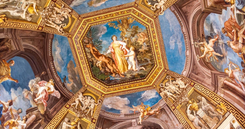 Fresco in a hall in the Vatican Musuems@fotografiecor_Fotolia_55708420_M.jpg