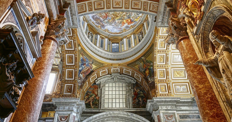 Interior of St Peter's Basilica@wajan_Fotolia_30076843_M.jpg