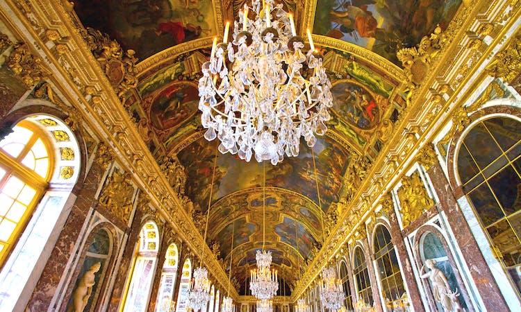 z Château de Versailles , galerie des glaces 2 png.png