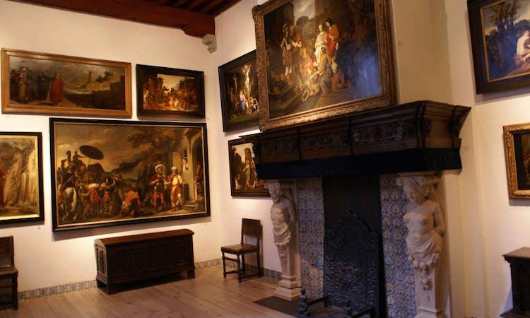 Rembrandts art tour Rijksmuseum fireplace.jpg