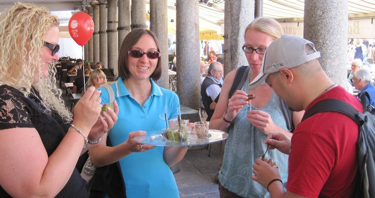 Lecco gourmet walking tour with wine and food tasting-1