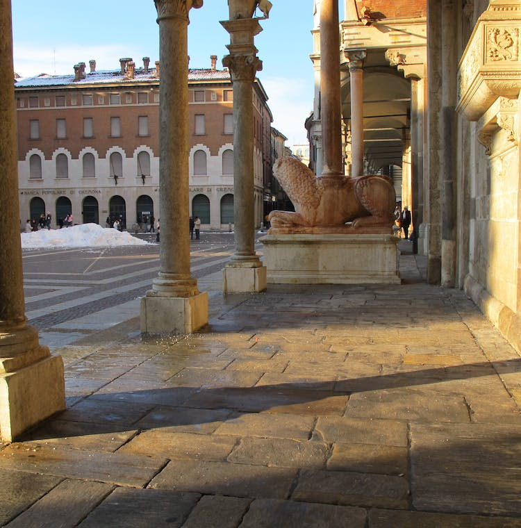 Cremona 2.5-hour private guided walking tour-1