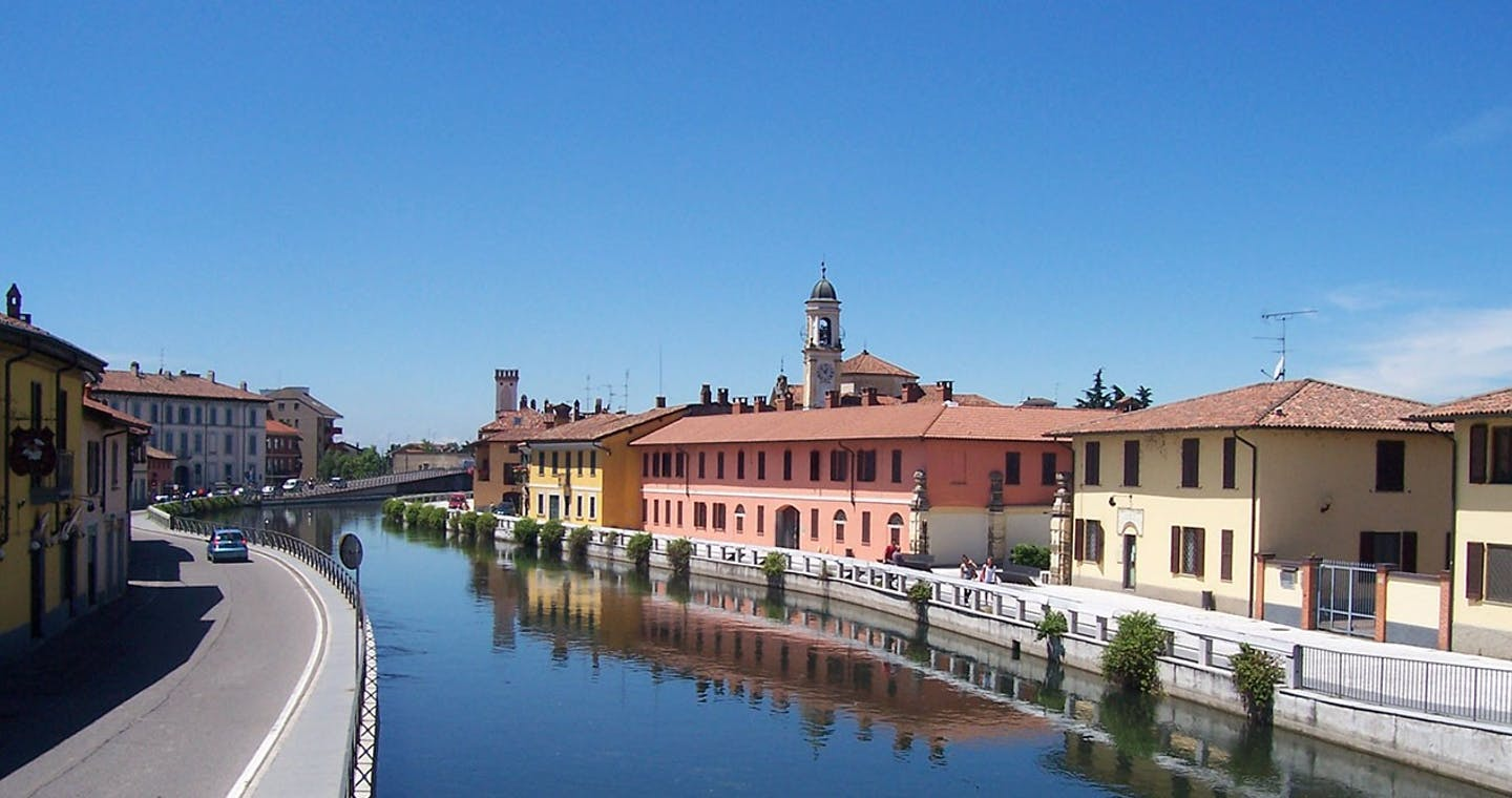 Navigli canal cruise with guided tour-1