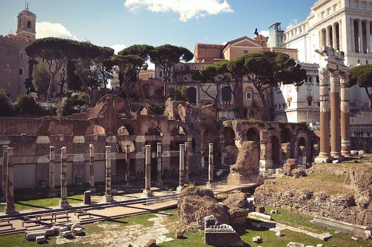 Roman Forum_fotolia