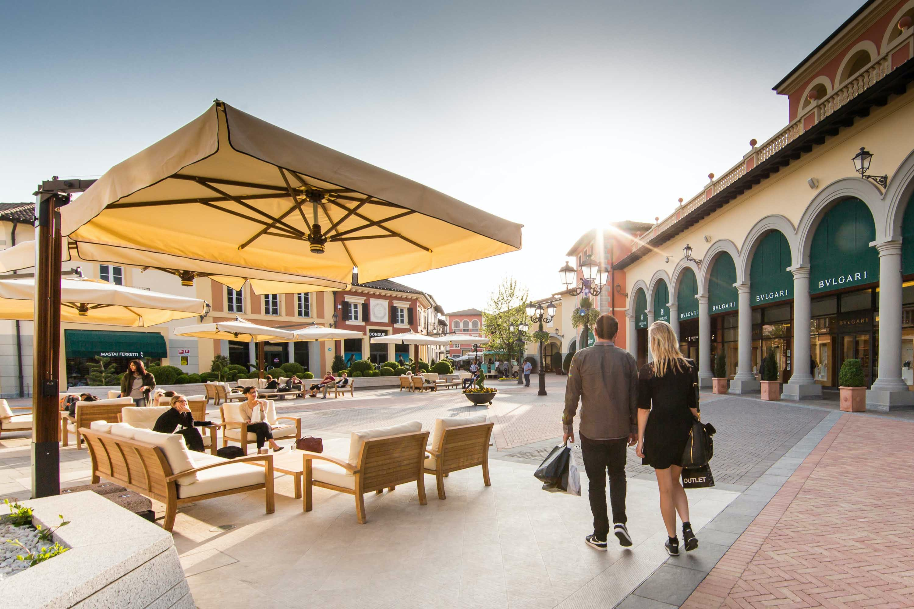 Serravalle designer outlet shopping tour from milan musement for Serravalle outlet