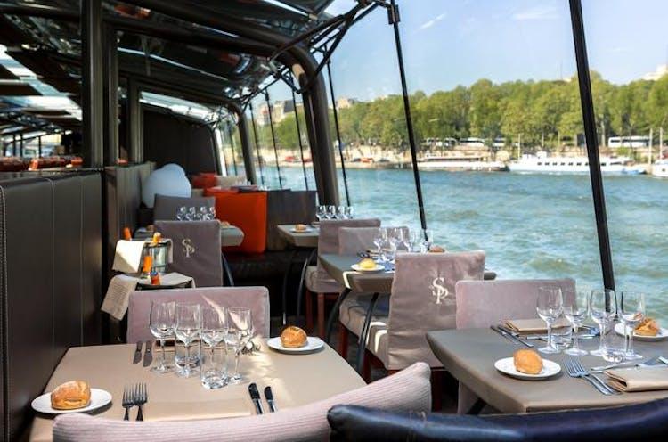bateaux-parisiens-seine-river-lunch-cruise-with-live-music-in-paris-454415.jpg
