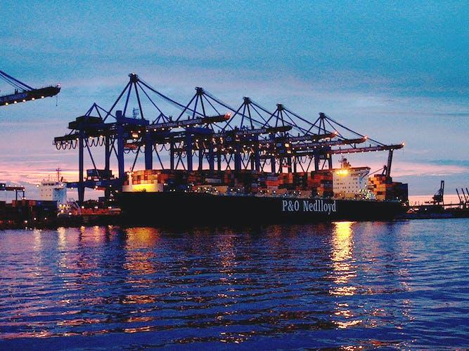 Lichterfahrt durch den Hamburger Hafen_Altenwerder.JPG