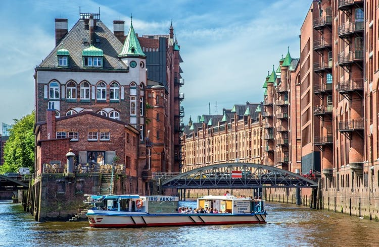 Port of Hamburg cruise and Elbphilharmonie tour_Speicherstadt.jpeg