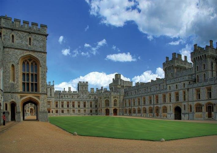 Windsor Castle courtyard small