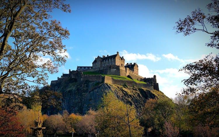 Edinburgh_Castle[1].jpg