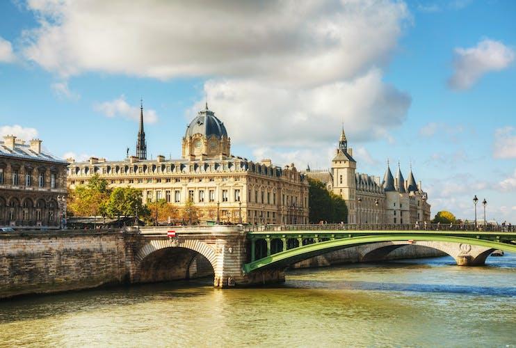 conciergerie palais de justice bike tour Paris.jpg