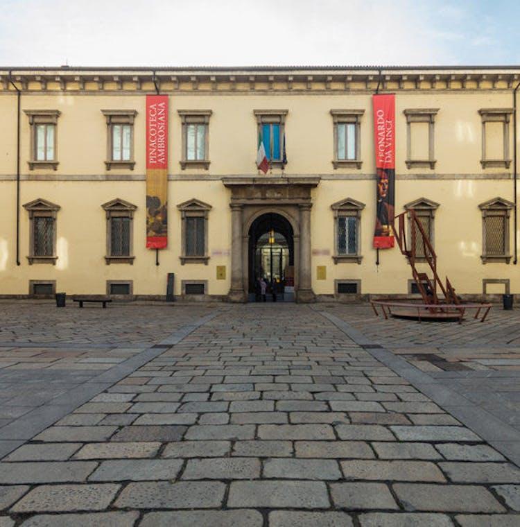 Biblioteca Ambrosiana - sorroundings.jpg