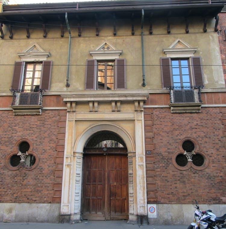 Casa Atellani - main facade.JPG