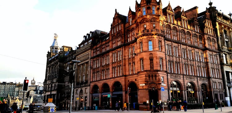 Full-day private tours - South Eastern Corner ST ANDREW SQUARE (West Side).jpg
