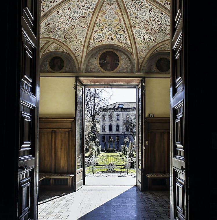 Casa degli Atellani - Cortile Interno.jpg