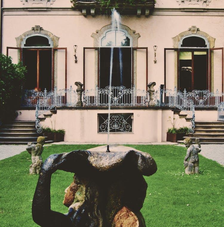 Casa degli Atellani - Cortile Interno (2).jpg